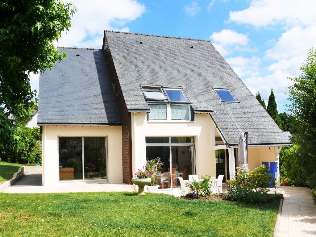 Immobilier dinan maison rouge for Achat maison architecte
