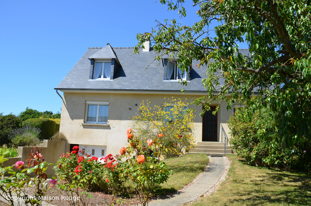 A vendre maison lanvallay 145 m 199 120 agence for Agence a la maison