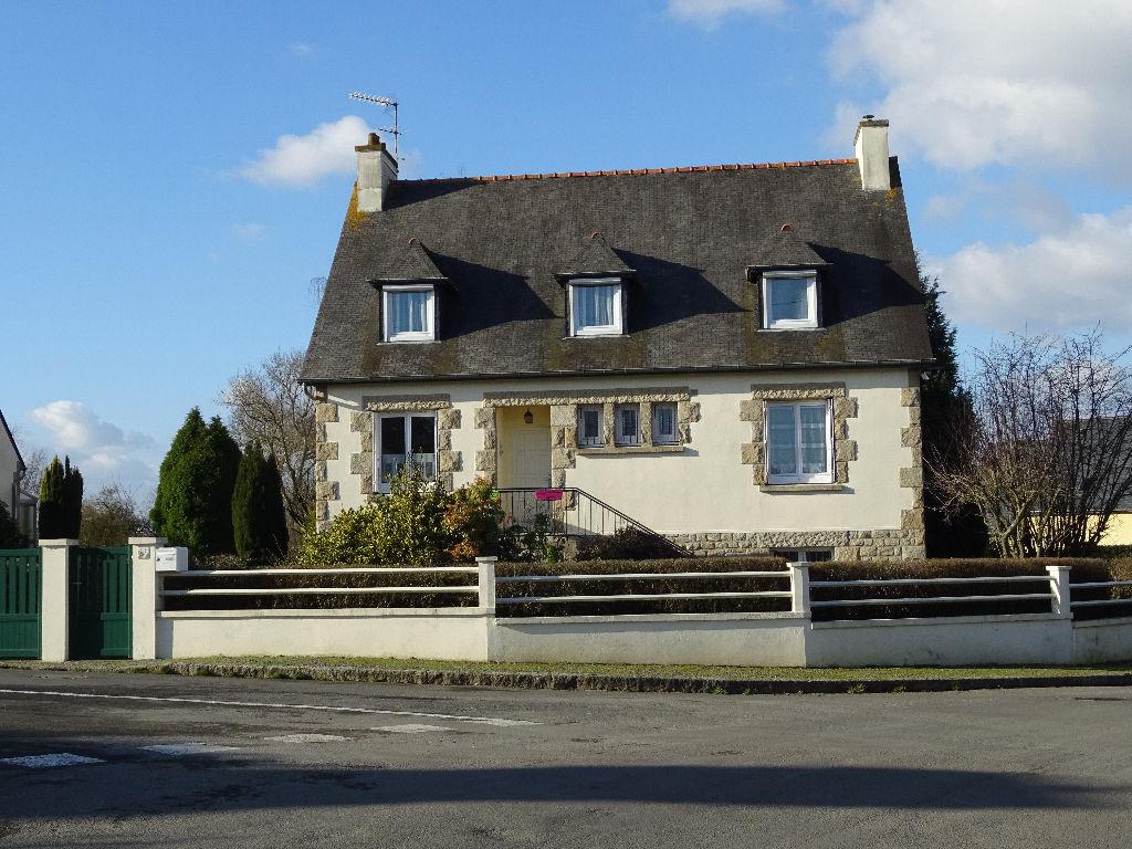 Immobilier lanvallay maison rouge - Piscine des canetons dinan ...