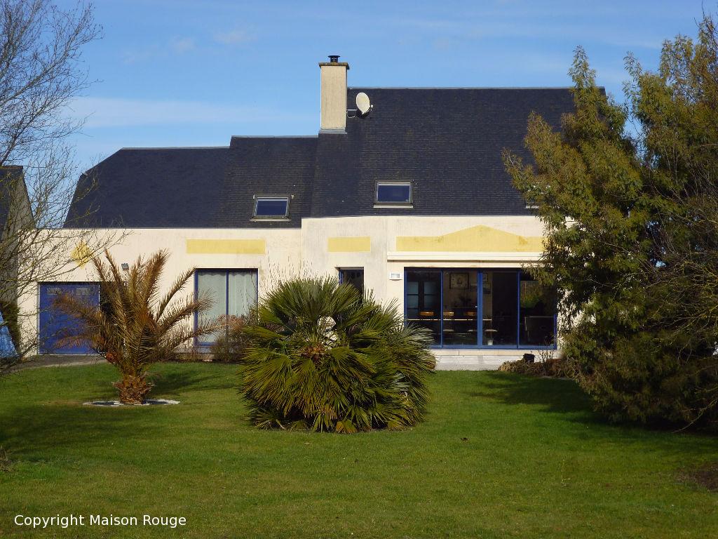 A vendre maison la fresnais 220 m 356 320 agence for Agence a la maison