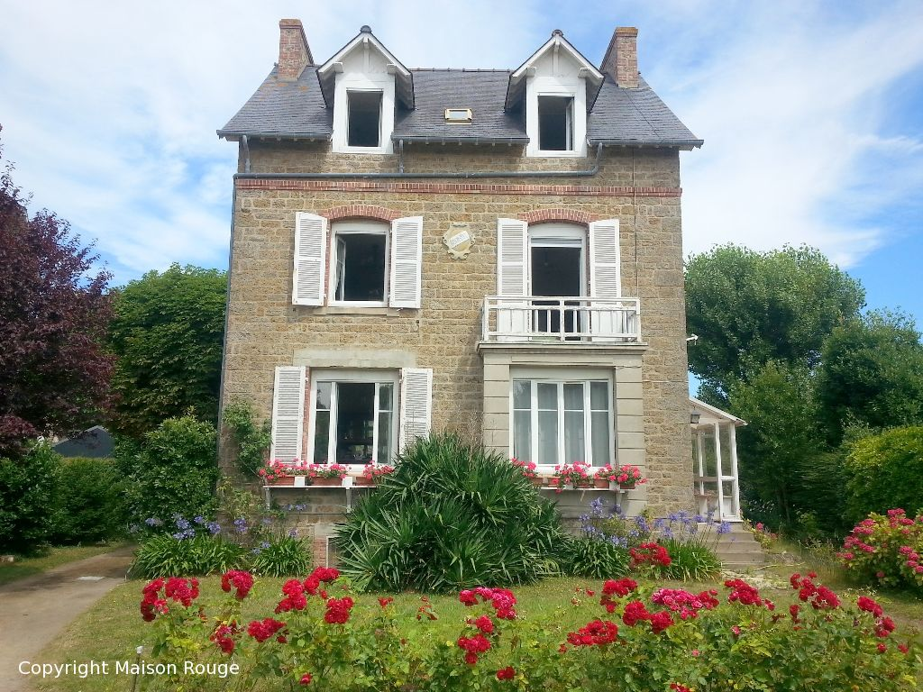 Immobilier saint lunaire maison rouge for Achat vente maison
