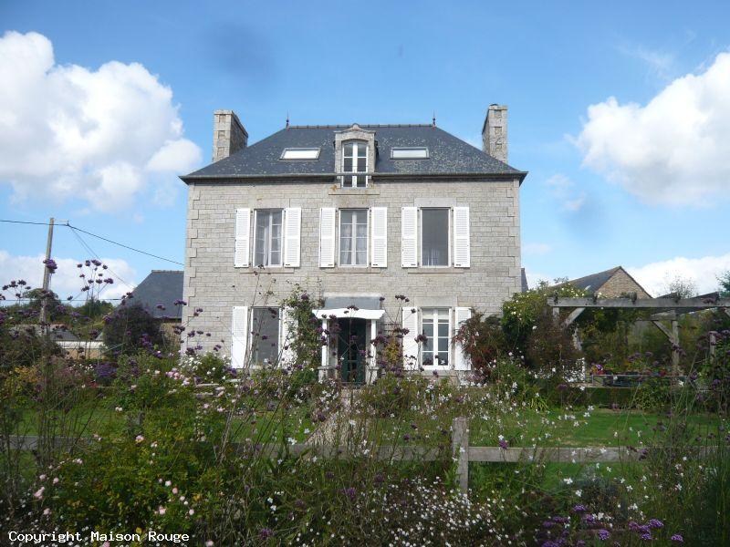 A vendre maison pleslin trigavou 207 m 465 400 for Agence de la maison rouge
