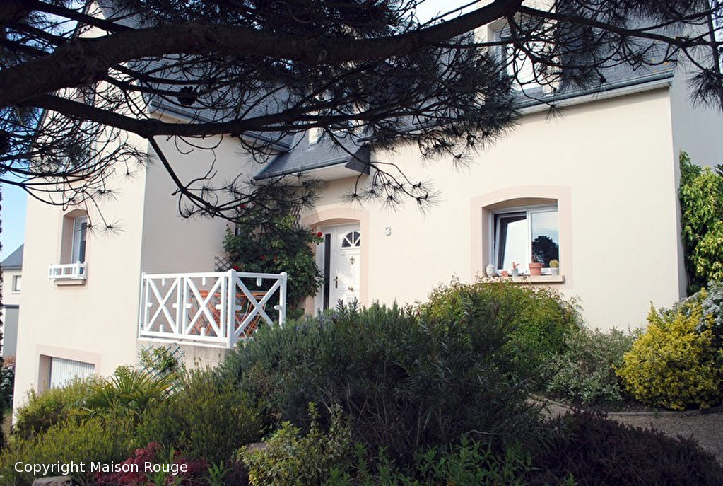 Maison rouge dinard immobilier avie home for Agence maison rouge dinard